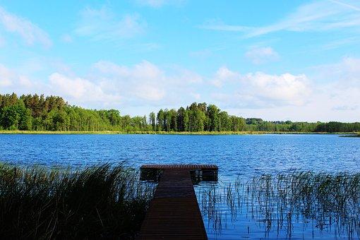lake-2743939__340