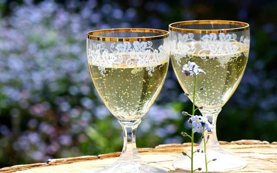 champagne-736773__340