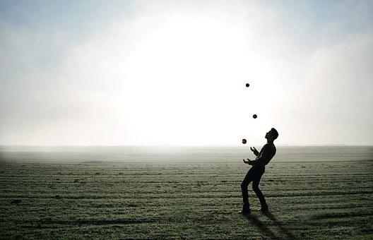 juggler-1216853__340