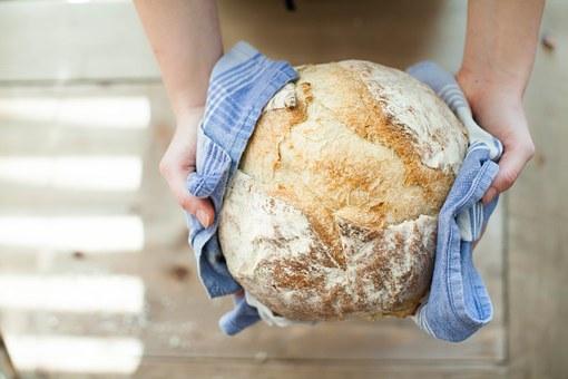 bread-821503__340
