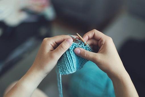 knit-869221__340