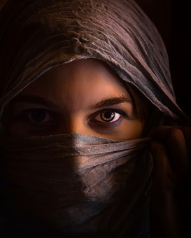 woman-1335487__340