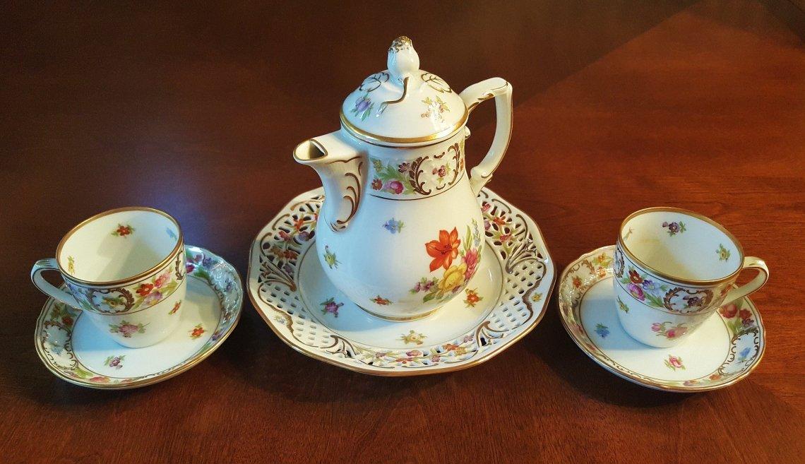 tea-set-1393416_1920
